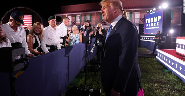 Trump greets disabled standing veterans